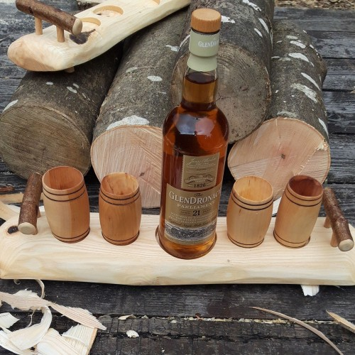 Artisan Revealed Grain Single Knot Ash Stand with 4 Willow Barrel Whisky Tumblers